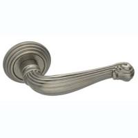 Межкомнатная дверная ручка Adden Vintage Bau Fontana V202 состаренное серебро
