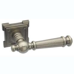 Межкомнатная дверная ручка Adden Bau Vintage Castello VQ212 состаренное серебро